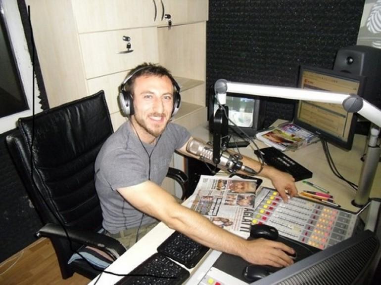 Radyo 2000'de Beklenmedik Ayrıldık!