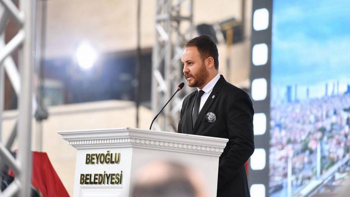 Can Batmaz Beyoğlu İçin Kolları Sıvadı!